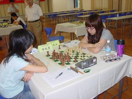 谷笑冰(右)战和章晓雯