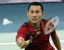 图文:[羽毛球]印尼选手索尼逆转对手 毫不松懈
