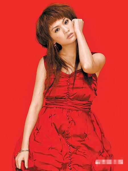 """杨丞琳将刘海打薄,新发型叫""""水母漂""""。"""