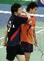 图文:[羽毛球]李炫一2比0佐藤翔治 握手致意