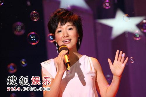 周彦宏现场演唱《给爱》