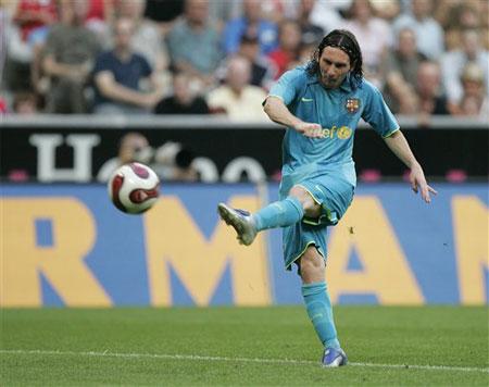 图文:[友谊赛]巴萨VS拜仁 梅西怒射建功