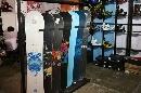图文:第21届体博会开幕 雪地运动滑板展示