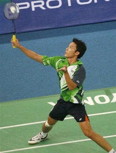 图文:[羽毛球]陈郁2-0淘汰苏西洛 后场扣球