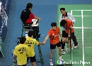 图文:[羽毛球]古健杰陈文宏无缘四强 双方握手