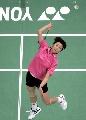 图文:[羽毛球]张宁0-2王晨遭淘汰 王晨跃起