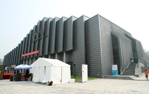 图文:农大体育馆完工 中国农业大学体育馆完工