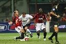 图文:[贝杯]米兰2-0尤文 安布对抗皮耶罗