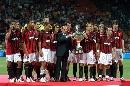 图文:[贝杯]米兰2-0尤文 谁给红黑11人颁奖?