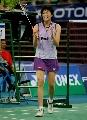 图文:[羽毛球]小将朱琳2-0王晨夺冠 鼓掌庆祝