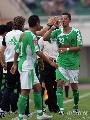 图文:[中超]河南1-2国安 迪亚戈庆祝进球