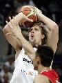 图文:[男篮]中国VS德国第二场 诺维茨基跳投