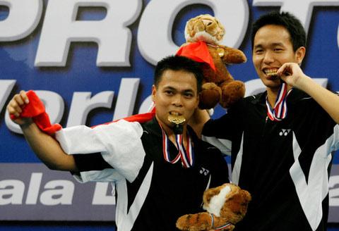 """印尼组合马基斯/亨德拉""""品尝""""男双金牌的味道"""