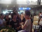 苏玉华机场遇粉丝