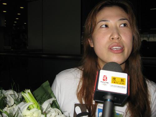 图文:国羽世锦赛归来 高崚憧憬未来