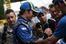 图文:[WRC]勒布称雄德国站 索伯格为车迷签名