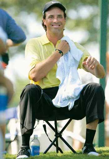 图文:[高尔夫]PGA锦标赛 天气炎热球员无选择