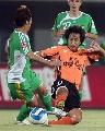 图文:[中超]北京4-1武汉 武汉大将积极拼抢