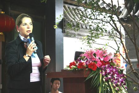 西门子中国有限公司副总裁史明佳女士在启动仪式上致辞