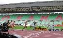 图文:田径世锦赛主体育场 选手们进行热身