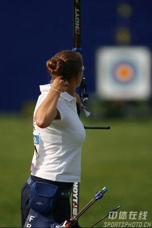 图文:国际射箭女子个人淘汰赛 法国维尔日尼