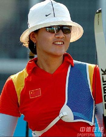 图文:国际射箭女子个人淘汰赛 国手张娟娟