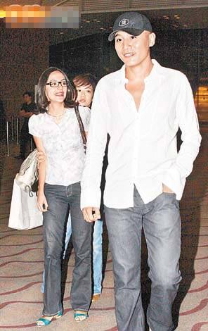 刘烨女友到香港支持他