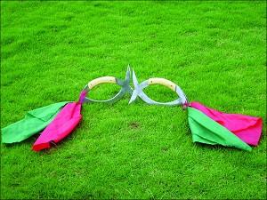 佛山/子午鸳鸯钺,为八卦门独门双兵器。