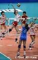 图文:中国女排3-2力克意大利 马蕴文大力扣球