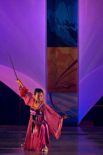 图文:2007青帆赛闭幕式 武术表演显民族特色