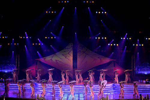 图文:2007青帆赛闭幕式 闭幕式主题舞蹈