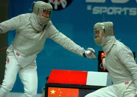 图文:亚洲击剑锦标赛 王敬之称雄男子佩剑个人