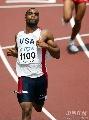 图文:男子100米预赛 盖伊冲过终点