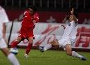 图文:[中甲]南京0-0南昌 南京球员铲球