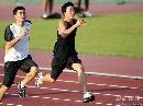 图文:[田径]刘翔训练遭遇特拉梅尔 赶超史冬鹏