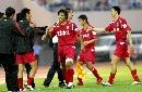 图文:[中超]辽宁负于长春亚泰 队员庆祝进球
