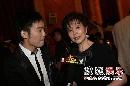 图:颁奖后台花絮 搜狐主持人黄锐采访归亚蕾