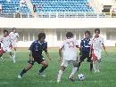 图文:[邀请赛]国青1-1日本 国青球员摆脱防守