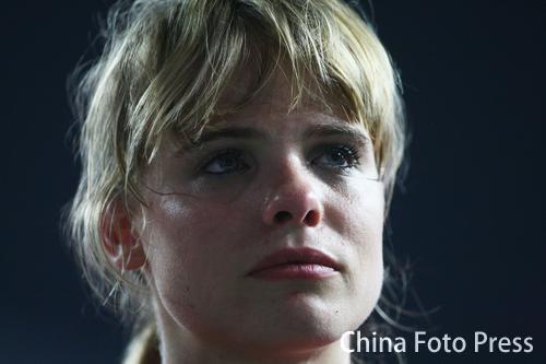 图文:撑杆跳伊辛巴耶娃夺冠 失望的德国选手
