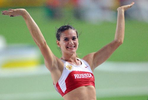图文:撑杆跳伊辛巴耶娃夺冠 美丽动人的冠军