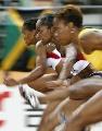 图文:世锦赛第四日十佳图片 女选手起跑瞬间