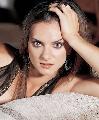 图文:伊辛巴耶娃性感写真 性感双眸女人味十足