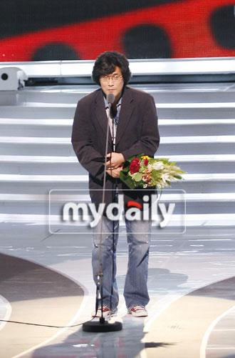 《黄真伊》李哲浩美术监督获最佳美术奖