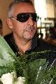 图文:巴乔抵京开始中国行 王子带上黑色墨镜