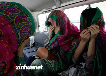 塔利班同意释放剩余的19名韩国人,这是8月29日第一批释放的三名韩国人质。