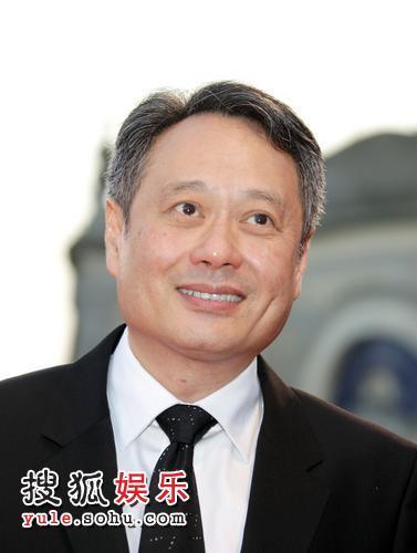 图:《色,戒》首映式 导演李安风度翩翩亮相-2