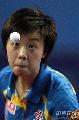 图文:中国大奖赛男女单四强产生 张怡宁比赛中