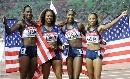 图文:女子4*400接力美国队夺金 漂亮的美国冠军