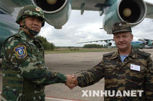 武警部队副司令员称合作 2007演习不针对第三国图片