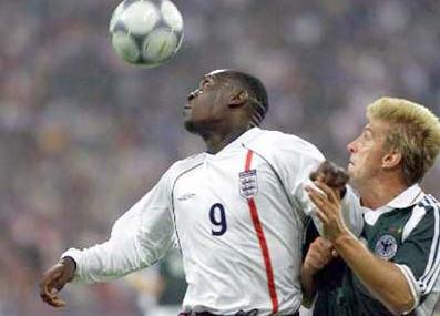 英格兰史上经典战役:5-1大胜德国。当场欧文帽子赫斯基也有进球